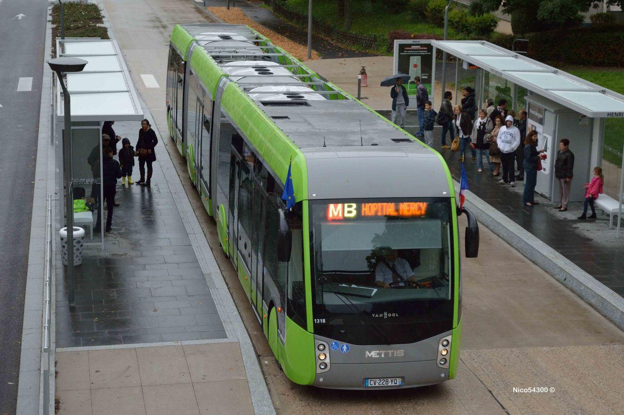 le tram 39 bus c 39 est le must. Black Bedroom Furniture Sets. Home Design Ideas